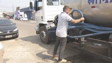 Moradores contratam carro pipa para não ficar sem água - Porto Velho está com problema de abastecimento de água em alguns bairros.