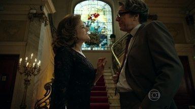Maurice elogia bom gosto de Fanny - Empresária leva estilista para jantar