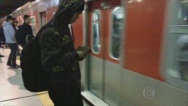 BDSP acompanha o funcionamento das linhas de trem e do metrô na capital - O produtor Caio Prestes partiu da Linha 12-Safira da CPTM, que liga o Brás, no Centro de São Paulo, a Calmon Viana, em Poá, na Grande São Paulo. A repórter do G1 Carolina Dantas registrou o funcionamento do Metrô, partindo da Linha 1- Azul.
