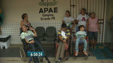 APAE faz campanha para arrecadar doações em Campina Grande - A associação pede apoio financeiro para atender cerca de 200 pessoas que estão na lista de espera.