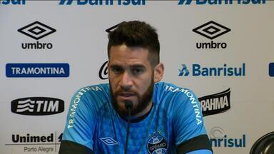 Marcelo Oliveira fala sobre poupar ou não jogadores do Grêmio - Assista ao vídeo.