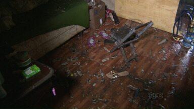 Veja os depoimentos das famílias que tiveram as casas destruídas pelo temporal - A região do Porto Meira foi a mais atingida.