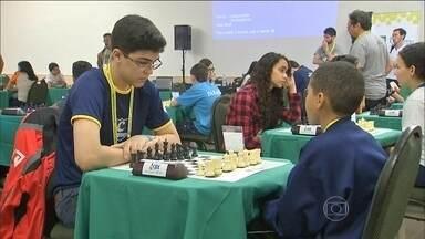 Fortaleza recebe Jogos Escolares e jovens sonham com futuro no esporte - Jovens de vários estados se misturam na competição.