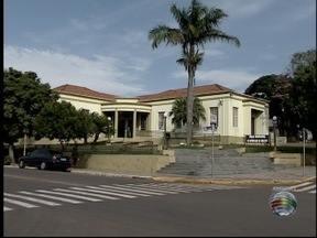 Prefeituras de Machado e Santo Anastácio alteram horário de atendimento - Mudanças fazem parte das medidas para cortar custos e economizar.