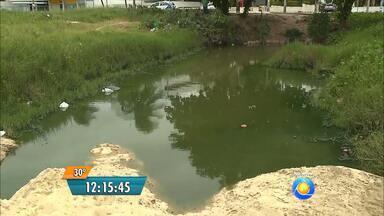 Galeria pluvial pode estar contaminada com esgoto clandestino em João Pessoa - A galeria fica na praia do Cabo Branco.