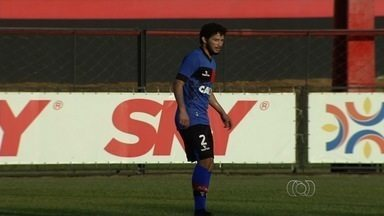 Arthur é novidade no ataque do Atlético-GO contra o Luverdense - Artilheiro do time com oito gols, atacante está de volta após suspensão