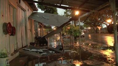 A chuva de granizo no Paraná e a despedida às vítimas da PR-486 - Veja essas e outras notícias logo mais no ParanáTV2a edição que começa um pouco mais cedo hoje, às 18h50