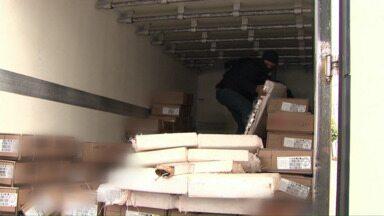 Polícia encontra drogas em caminhão que transportava carnes - Cinco pessoas foram presas com mais de 200 quilos de maconha.