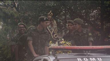 Depois de ficar nove dias na Catedral, Padroeira de Santos volta ao Monte Serrat - Homenagens foram realizadas nesta terça-feira (8)