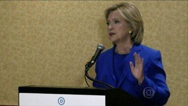 Hillary se desculpa por ter usado conta pessoal de e-mail quando era Secretária de Estado - O pedido de desculpas foi ao ar em uma entrevista à rede ABC. Hillary admitiu que foi um erro.