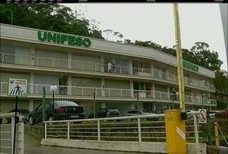 Maior hospital de Teresópolis não está fazendo atendimento pelo SUS por conta de dívidas - Prefeitura estaria devendo verbas há mais de dois anos ao hospital.