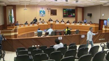 Vereadores pedem audiência pública para debater PPP da saúde - Vereador quer discutir falta de casa em Foz do Iguaçu