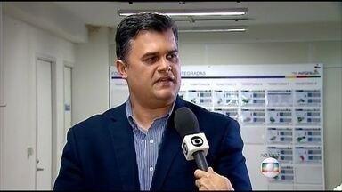 Dupla é presa suspeita de cometer assaltos violentos no Recife - Polícia procura vítimas que possam ajudar a reconhecer os assaltantes