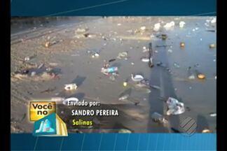 Turista denuncia sujeira em praia de Salinópolis - Acúmulo de lixo foi registrado após o feriado de 7 de setembro.