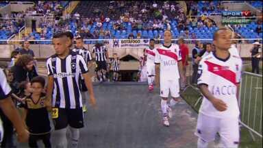 Paraná Clube surpreende no começo, mas toma virada do Botafogo-RJ - Tricolor começou bem, mas tomou dois gols do artilheiro da noite, Sassá, que deixou o Botafogo isolado na liderança da Série B
