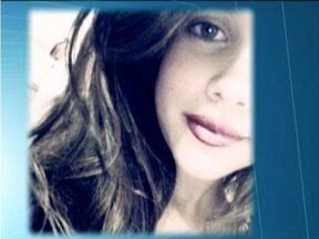 Menina de 13 anos desaparece após tentar salvar cachorro no Rio Manhuaçu - Corpo de Bombeiros realiza busca para tentar localizar a menina.