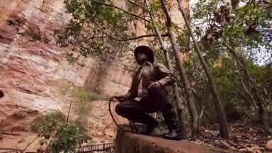 Hoje é dia de... Arqueologia - Parque - Alexandre Henderson conhece um dos maiores tesouros arqueológicos do mundo: o Parque Nacional Serra da Capivara, no Piauí.