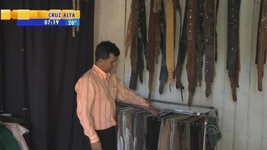 Brechó Gaúcho oferece opções de pilcha a baixo custo em Uruguaiana - Alternativa surgiu na Fronteira Oeste do estado perto dos festejos farroupilhas.