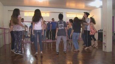 Companhia Cortejo realiza oficina de teatro em Ji-Paraná - Oficina faz parte das atividades do Palco Girat´roio.