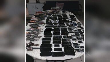 Após 1 ano sem revista, 86 celulares são encontrados em presídio no AM - Objetos foram localizados na Unidade Prisional do Puraquequara (UPP).Sindicância deve apurar a entrada do material proibido no presídio.