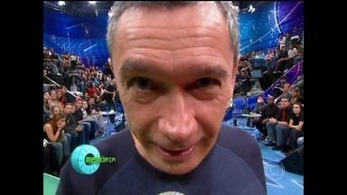 Serginho Groisman relembra momentos marcantes do 'Altas Horas' - Apresentador revisita os programas que foram ao ar em 2006