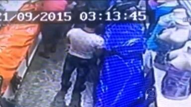 Polícia investiga uma mulher chinesa que foi flagrada batendo na filha de 12 anos - Assustados com a violência, comerciantes do Brás resolveram denunciar. Como determina a lei, o SPTV não vai identificar a mãe para proteger a filha.