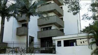Criminosos fazem arrastão em prédio de luxo de SP - Os bandidos invadiram vários apartamentos, fizeram reféns e deixaram os moradores em pânico durante mais de duas horas.