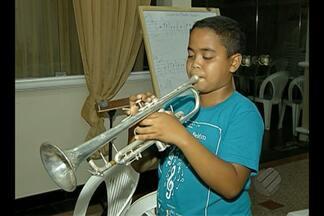 Instrumentos musicais são roubados de fundação - Sede da FAM foi invadida e formação de alunos é prejudicada.
