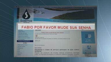 Hacker volta a agir e invade página do Saema de Araras - O alvo do hacker agora foi a página do serviço de água e esgoto da cidade. Ele deixou um recado para o funcionário do departamento. A Prefeitura informou que recebeu o problema logo cedo e a página já encontra-se normalizada.