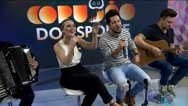 """Thaeme e Thiago cantam sucessos da carreira - Dupla canta """"O Que Acontece Na Balada"""", """"Bem Feito"""" e """"Coração apertado""""."""