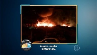 Incêndio destrói 70 veículos em pátio de apreensão, em Nova Lima - Imagens enviadas por telespectador mostram chamas altas; bombeiros levaram 4 horas para combater o fogo