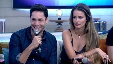 Rainer Cadete e Gabriel Leone revelam que preferem os seios naturais - Di Ferrero ressalta que algumas mulheres fazem cirurgia para melhorar autoestima