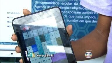 Estudantes de Camaragibe criam aplicativo que facilita a vida de toda a comunidade escolar - Pais e alunos vibram com o JP 2015.