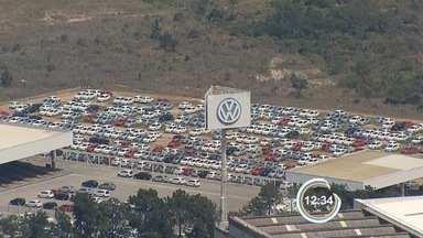 Trabalhadores do segundo turno da Volks foram dispensados nesta sexta - Essa é a quinta dispensa em uma semana por falta de peças.