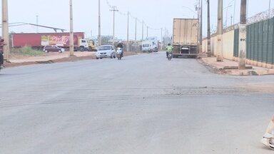 Rua Pirapitinga recebe obra de asfalto, em Porto Velho - Após inúmeras reclamações, rua foi asfaltada.