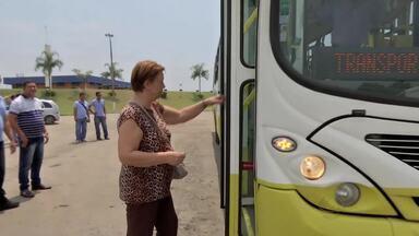 Motoristas recebem treinamento para melhor atender os passageiros idosos - Motoristas do transporte coletivo recebem treinamento para melhor atender os passageiros idosos.