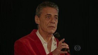 Documentário sobre Chico Buarque abre Festival do Rio - O filme foi apresentado em sessão de gala, no Odeon, no Centro. O longa mostra a vida e a obra do cantor e compositor brasileiro. O Festival conta com cerca de 250 filmes, de mais de 60 países.