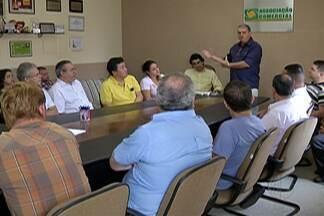 Moradores e comerciantes de Mogi se reúnem para discutir obras na Sacadura Cabral - O encontro ocorreu nesta quarta-feira (2) na Associação Comercial.