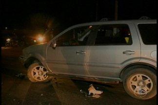 Acidente entre carro e moto deixa uma pessoa morta em Petrolina - Homem conduzia uma moto quando colidiu com um veículo.