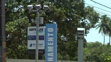 Radares móveis passam a identificar veículos com documentação irregular - Veja como funcionam os novos radares.