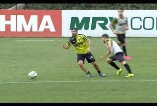 Leandro Donizete quer Atlético-MG focado para derrotar o Coritiba neste sábado - Jogador atulou vários anos no time paranaense e sabe das dificauldade de joga no Couto Pereira.