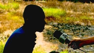 Fala Comunidade: consumo de drogas ao ar livre é um dos problemas no bairro Central - O consumo de drogas ao ar livre é outra preocupação no bairro Central de Macapá. Bem perto da residência oficial do governo, usuários passam o dia se drogando. E os assaltos na saída dos bancos apavoram clientes. Um deles teve 40 mil reais levados por bandidos. Agora tem um outro problema que irrita o macapaense todos os dias: a falta de áreas de deixar o carro.