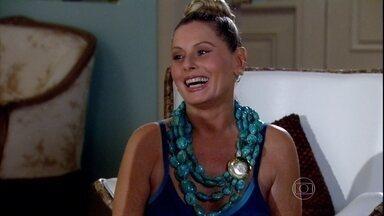Chiara compra roupinhas para o bebê de Duda - Chiara confessa que não quis ter filhos