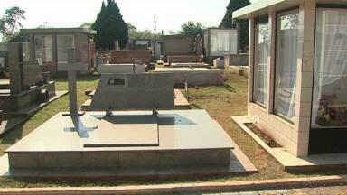 Prazo para reformas no cemitério de Cascavel vai até dia 15 de outubro - Depois, só reparos mais leves