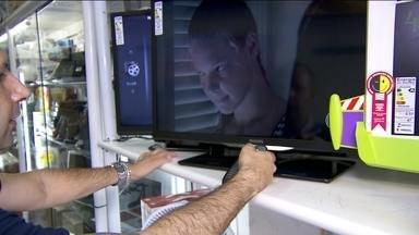 TV analógica está virando coisa antiga - Se na sua casa o sinal ainda não é digital, é melhor você se apressar.