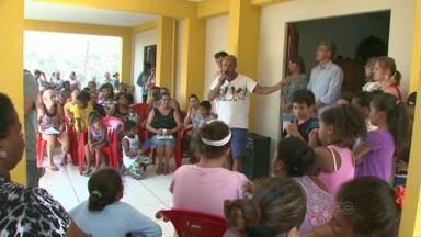 Fechamento de escolas para abertura de creches revolta pais de alunos - A tentativa de zerar a fila de espera por vagas em creches pode resolver o problema de muitos pais, mas a comunidade do Avelino Vieira está se sentindo prejudicada.