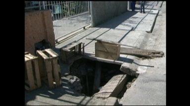 JA nos Bairros - O quadro mostra um antigo problema no bairro Parque Marinha