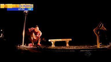 Festival de Teatro de Bonecos de Canela inicia na serra gaúcha - Espetáculos teatrais também acontecem nas ruas.