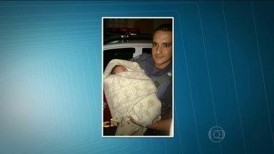 Bebê colocado em sacola é abandonado em área nobre de São Paulo - Um morador da região encontrou o recém-nascido em uma sacola na Rua Piauí, em Higienópolis, área nobre na região central de São Paulo. A menina foi encaminhada à Santa Casa de Misericórdia e passa bem.