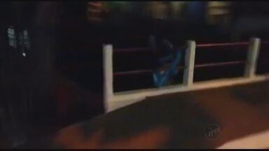 """Animador de """"trem da alegria"""" cai de ponte em Campo Belo (MG) - Animador de """"trem da alegria"""" cai de ponte em Campo Belo (MG)"""
